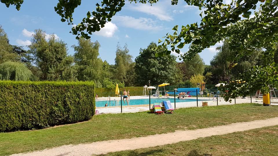 Camping des grottes activit s et piscine az au sud for Camping bourgogne piscine